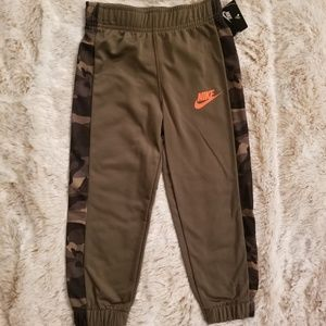 Nike Boys Camo Warmup Pant
